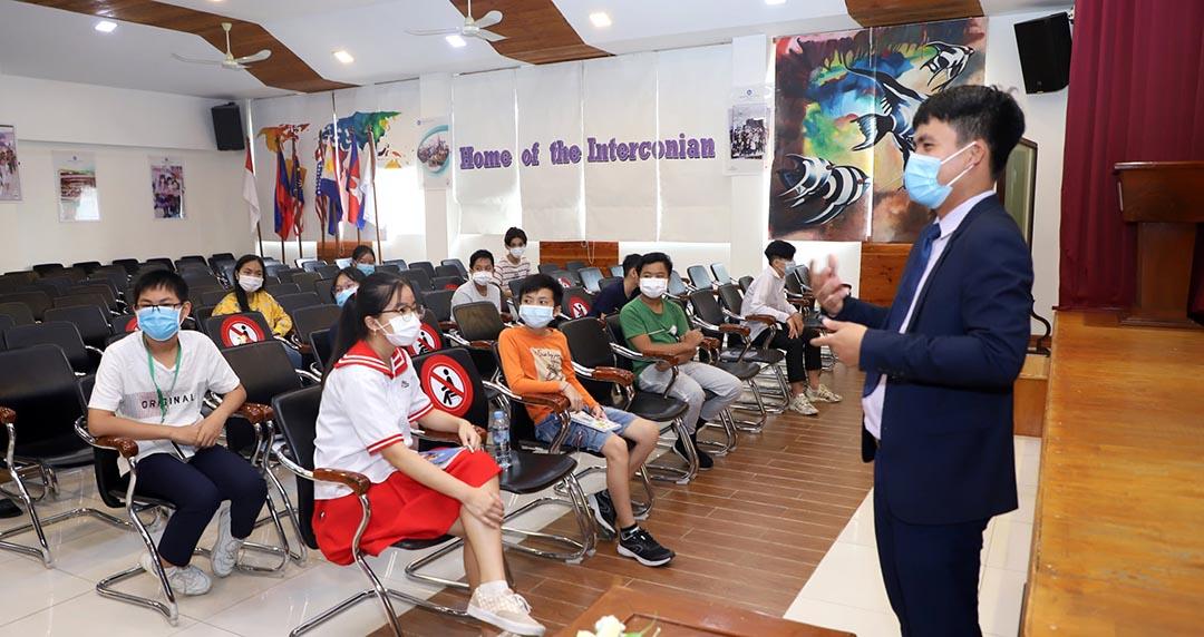 Workshop on General English Program for Kid 12 Students